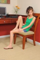hairy young teen girl