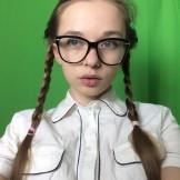 Taya Karpenko – selfie naughty student