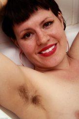 OLIVIA ROSE – BATHTUB