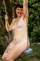 OLIVIA ROSE – SWING