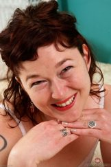 TURQUOISE FAYE – IN BED