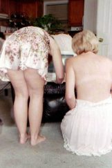 Family – Mum and daughter black couch