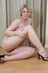 Strawberry Blonde Goddess Davina