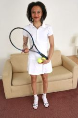 Fran�oise – Tennis anyone?
