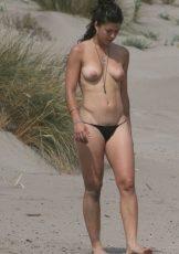 Sexy Nude Beach Babe With A Bush