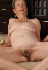 Hairy pussy and saggy tits granny Cassie