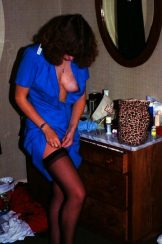 Retro Gold – Amateur – Nel – lots of curls above and below