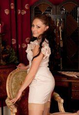Sophia Delane – All dressed up :: MILF