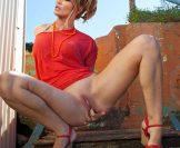 Jennifer Lopez (Nude Fakes)