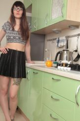 Anni Bay – excuse me whilst i attend to my hairy hole