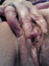 Older showing cunt and clit