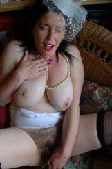 Jenny fills her big, hairy mature hole